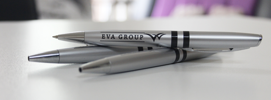 customization-of-pens-with-company-logo