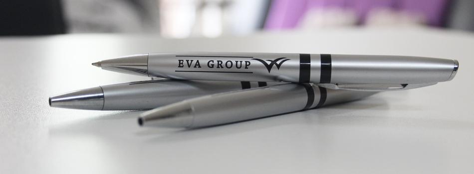 customization-of-pens-with-company-logo