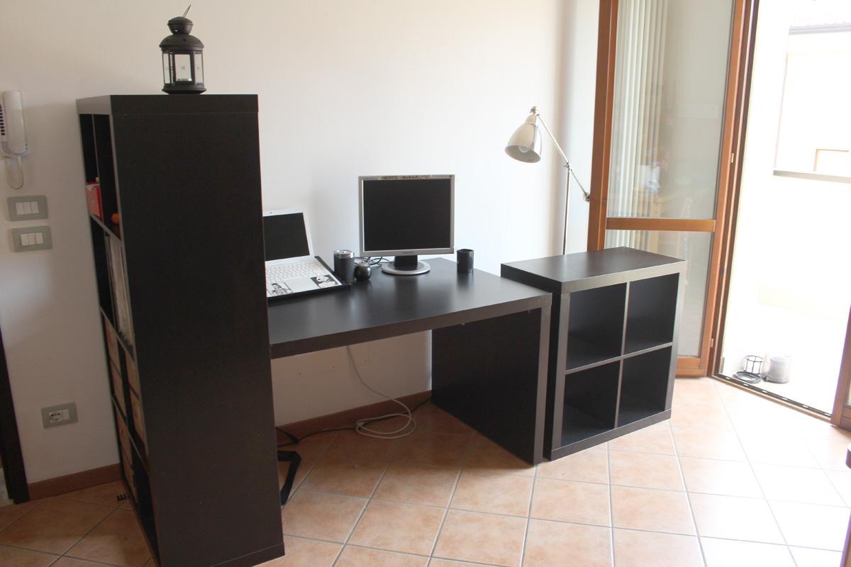 Mobili usati per ufficio studio camera area for Arredamento usato a milano